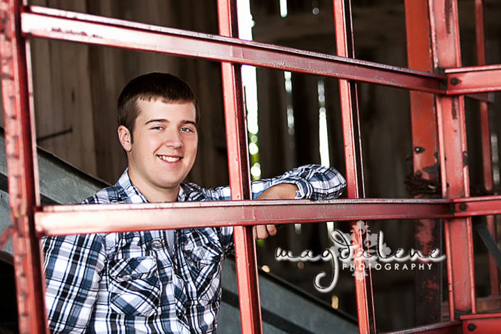 green-bay-barn-senior-pictures