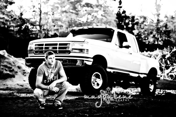 senior-boy-truck-wisconsin