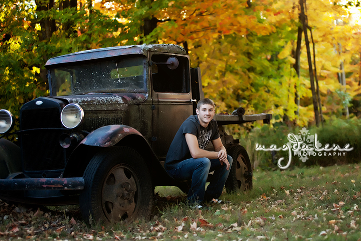 wisconsin-old-truck-senior-pictures