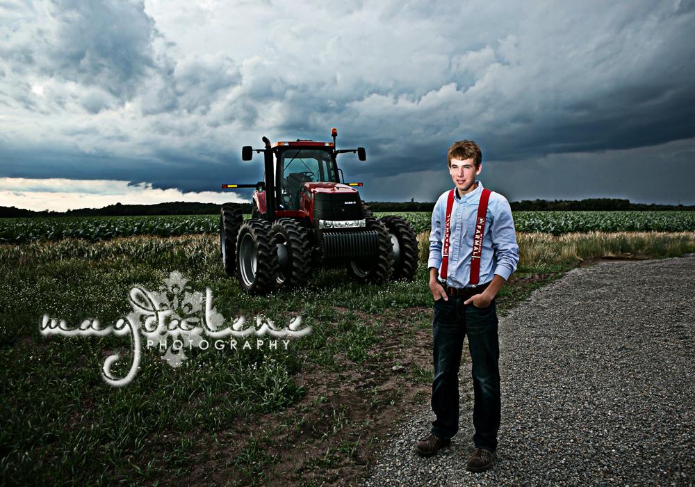 wisconsin-tractor-senior-pictures