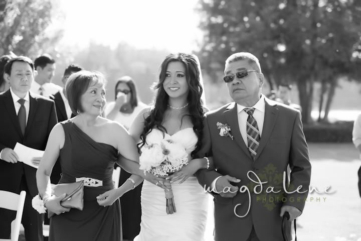 outdoor--wisconsin-wedding-ceremony