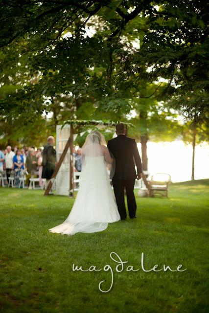 wisconsin-lake-wedding-ceremony