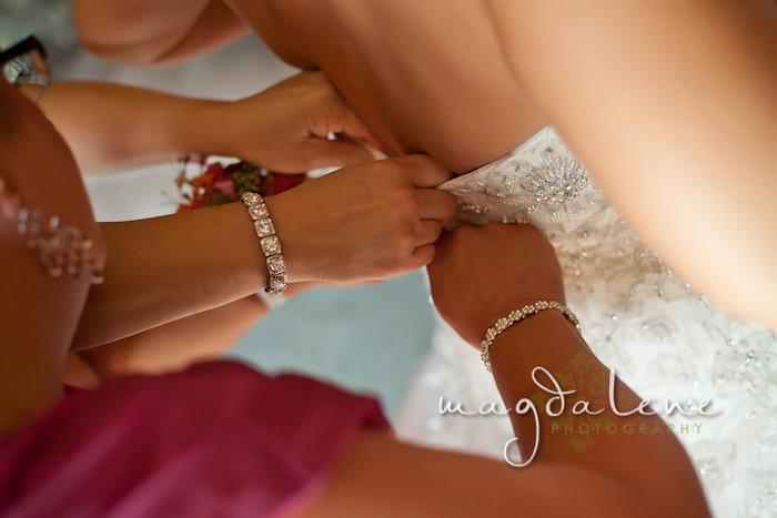 Wisconsin Wedding Photographer bride getting ready