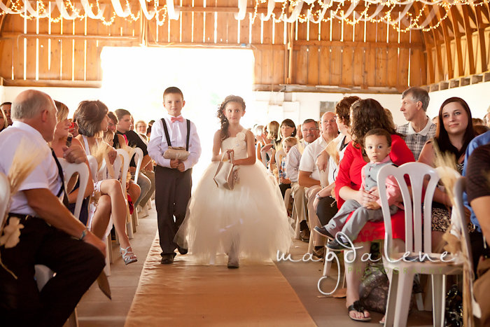 Wisconsin Wedding Photographer flowergirl ringbearer