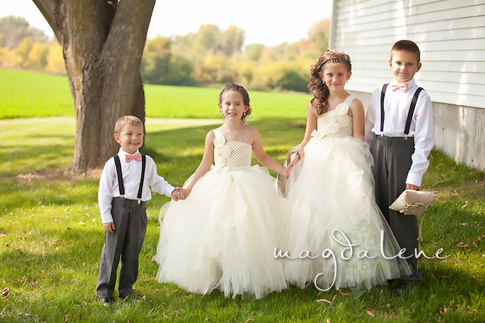 Wisconsin Wedding Photographer flowergirls ring bearers